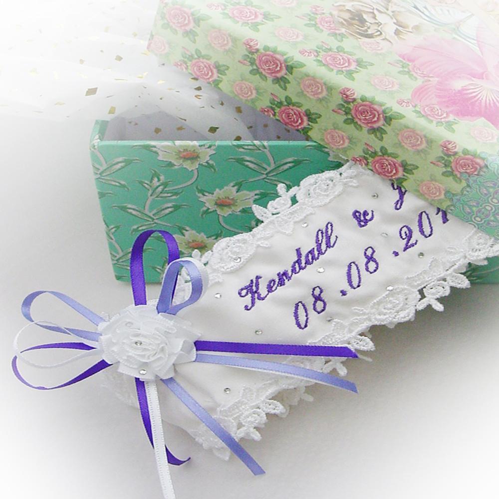 personalised-wedding-garter-purple-lilac-script