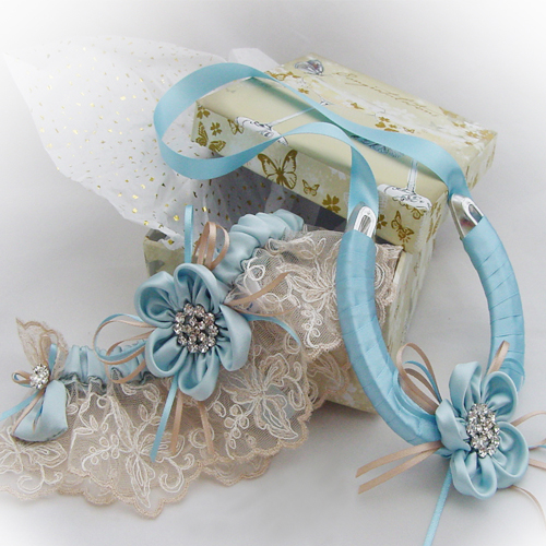 Luxury wedding garter set