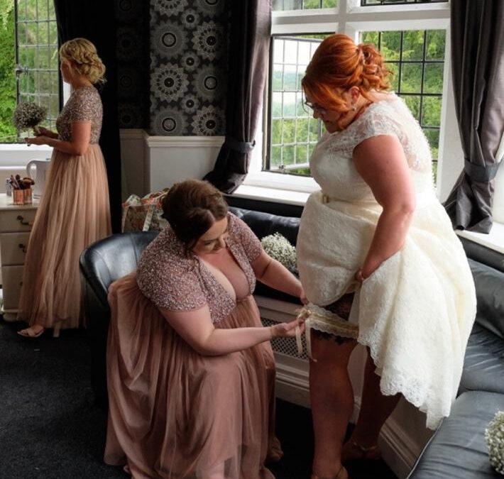 Gorgeous Plus size wedding garters