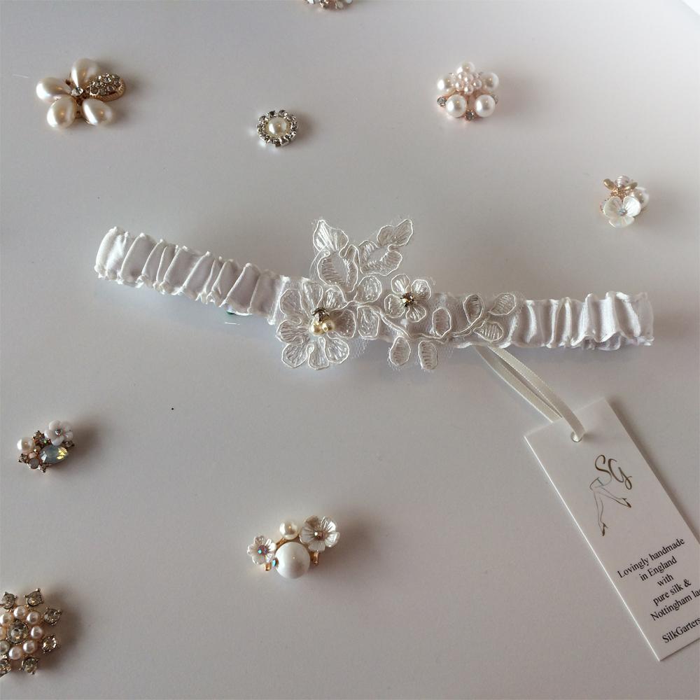 Abigail simple bridal garter