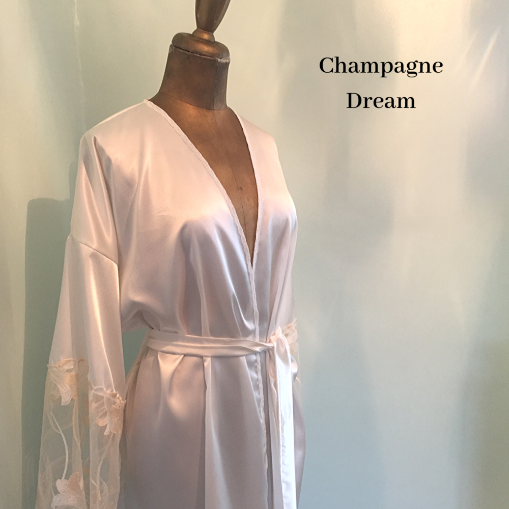 Champagne robe bride dressing gown