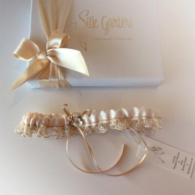 Meant to bee wedding garter