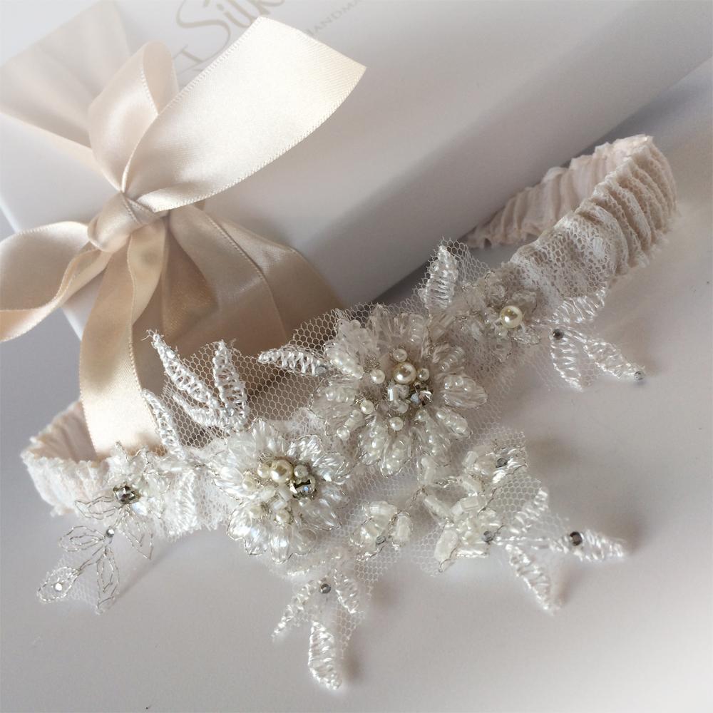 mia wedding garter