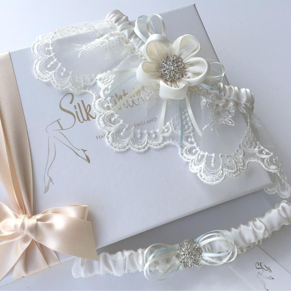 Ivory wedding garter set