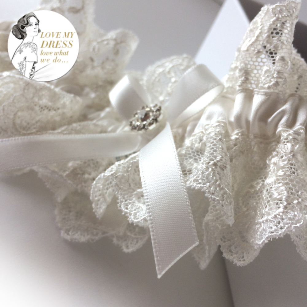 Luxury ivory wedding garter
