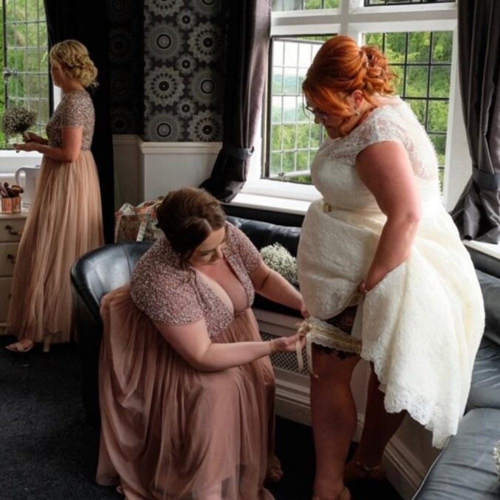 Bride gatting ready photo