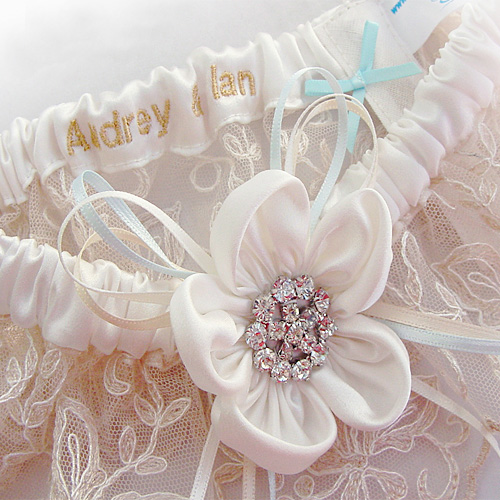 personalised garters for brides