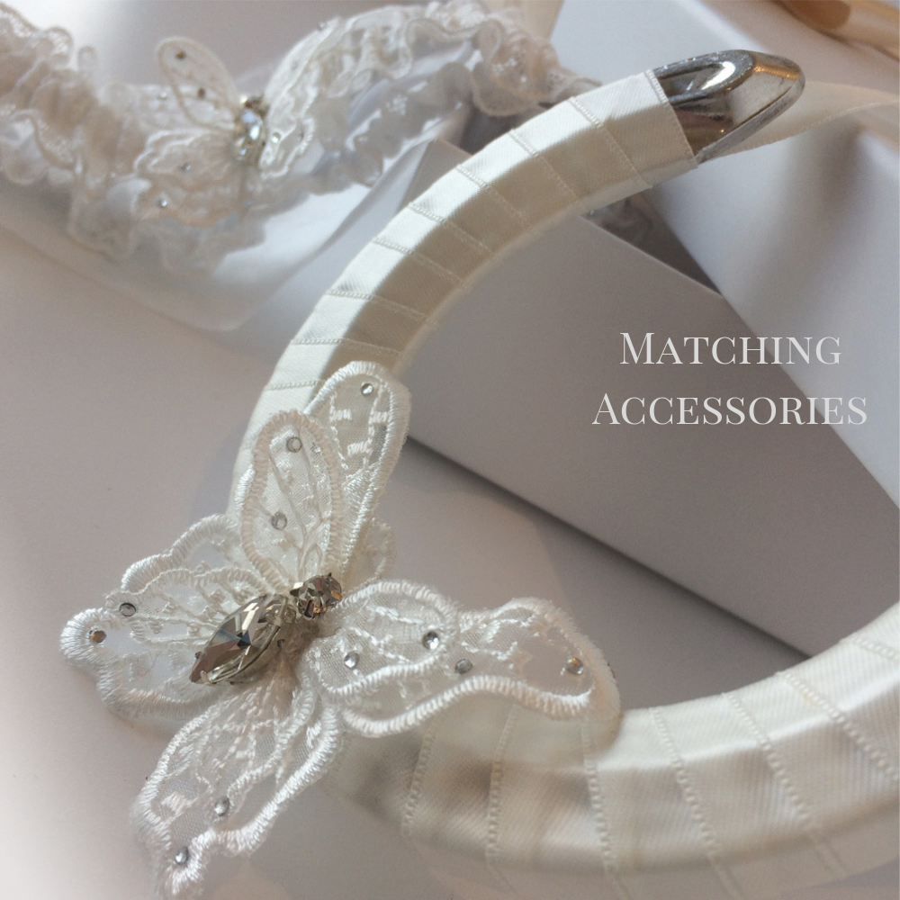 Wedding garter set Butterfly Kisses ivory with crystals horseshoe